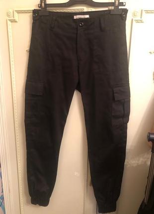 Модные черные штаны карго!