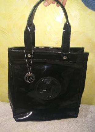 Лаковая сумка armani