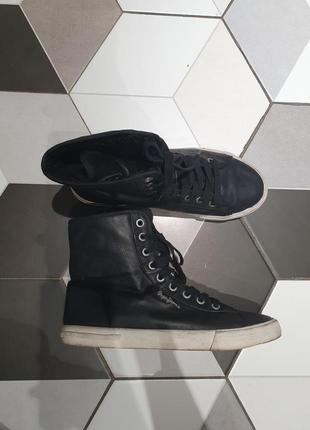 Ботинки,кеды зимние pepe jeans. утеплены мехом. черные
