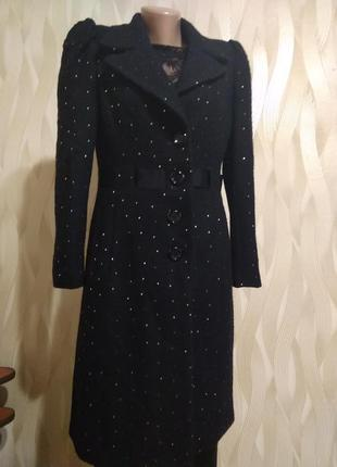 Классное пальто черного цвета
