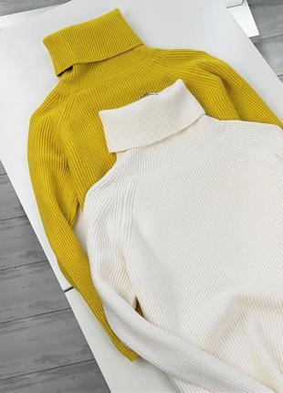 Теплый свитер фактурной вязки с высоким горлышком размер s/m