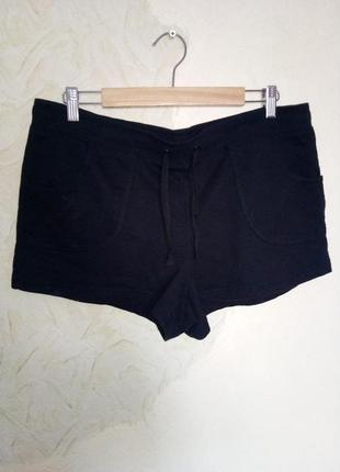 Черные трикотажные короткие  шорты на резинке с  завязкой на поясе
