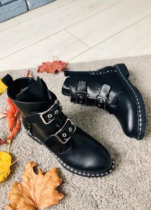 Ботинки кожаные зимние с ремешками