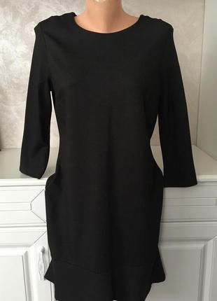 Стильное платье свободного фасона с воланом дорогого бренда франция