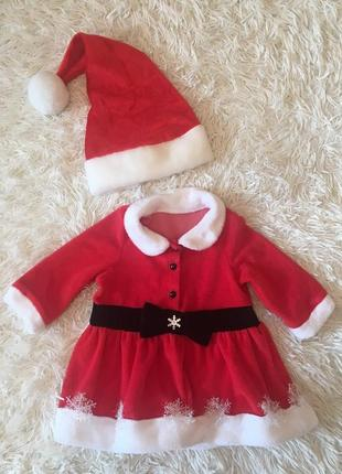 Новогоднее платье и шапочка для малышки для фотосессии.