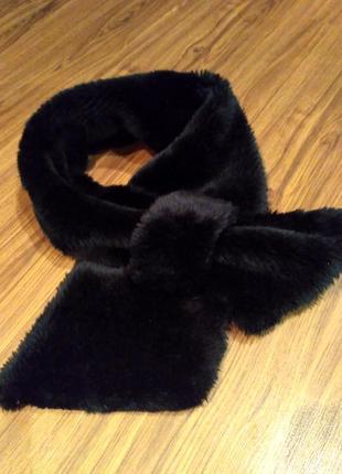 Черный шарф-воротник из искусственного меха