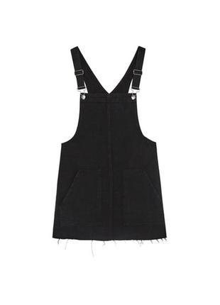 Джинсовое платье комбинезон со шлейками pull&bear