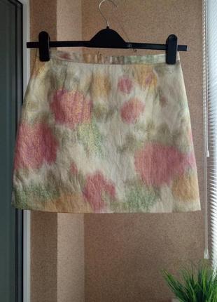 Красивая стильная прямая юбка мини из жакарда