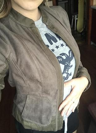 Куртка ветровка цвет олива хакки betty barklay