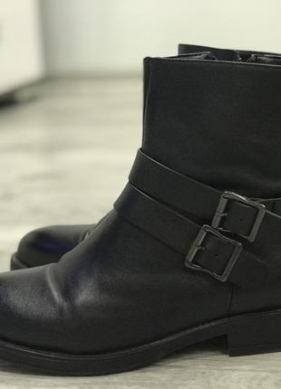 Тёплые осенне-зимние ботинки braska/intertop ,новые!