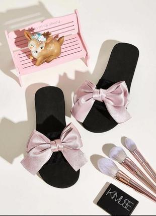 Тапочки с розовым бантом