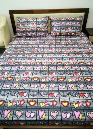 Яркий комплект двуспального постельного белья