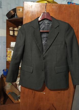 Пиджак школьний