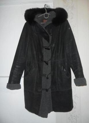 Куртка из натуральной кожи,с натуральным мехом на капюшоне)