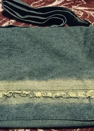 Стильная вместительная сумка джинсовая с длинным регулируемым ремнем