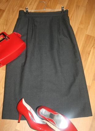 Дизайнеская удлиненная идеального кроя шерстяная юбка-миди от louis feraud
