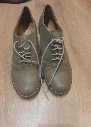 Женские туфли оксфорды на каблуке
