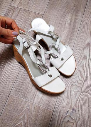 Босоножки сандалии кожаные из натуральной кожи на пробковой танкетке