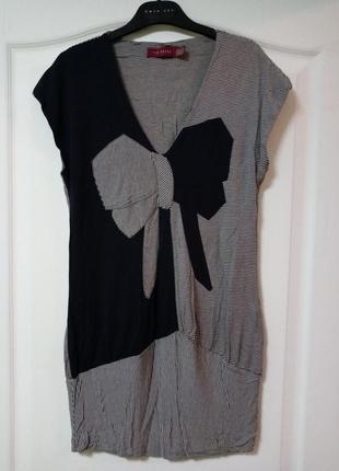 Платье трикотажное с бантом, мелкая полоска