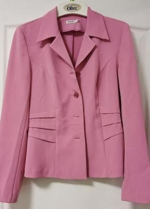Розовый пиджак, короткий