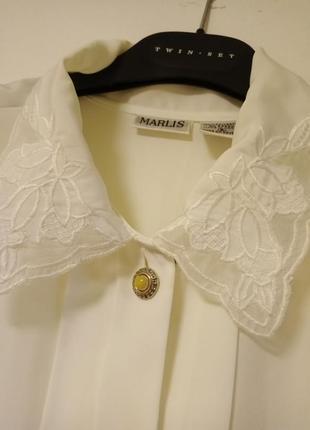 Блузка молочного цвета, длинный рукав, белая