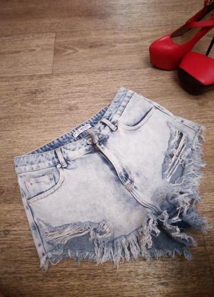 Крутые шорты укороченные