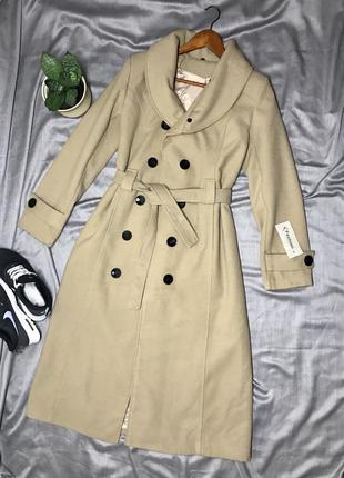 Бежевое шерстяное пальто длинное пальто с поясом пальто халат двубортное пальто италия