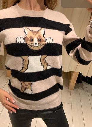 Милый свитер в полоску house есть размеры
