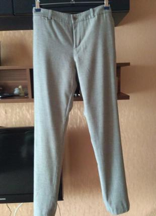Шикарные шерстяные брюки ,на подкладке.оригинал