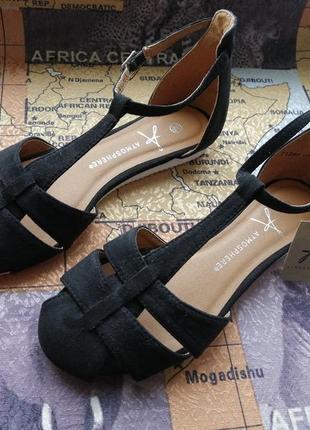 Босоножки сандалии с закрытой пяткой и носком