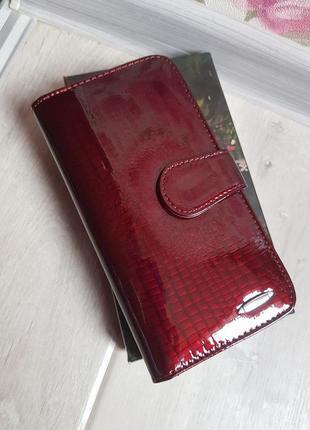 Бордовый кожаный кошелек лаковый balisa