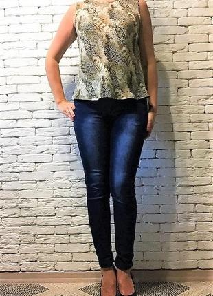 Блуза-безрукавка , змеиный принт