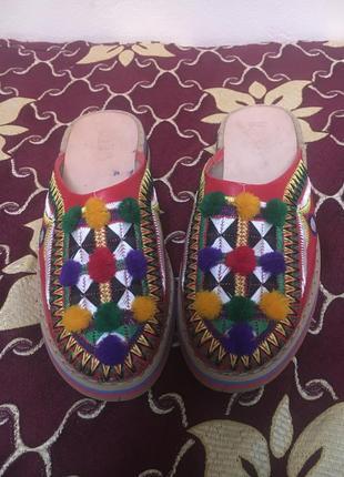 Марокканские кожаные сабо