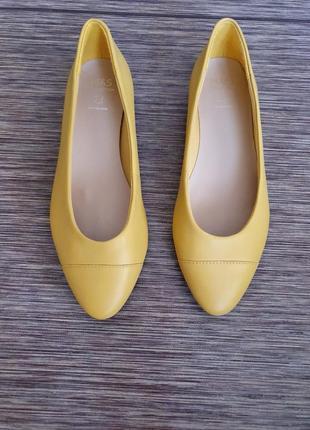 Качественные кожанные туфли, балетки от marks&spencer collection, новые