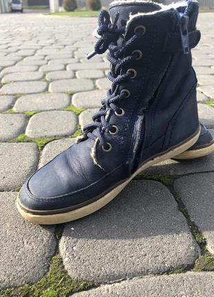 Високі черевики