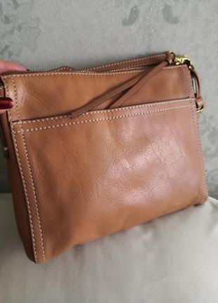 Красивая кожаная сумочка fossil