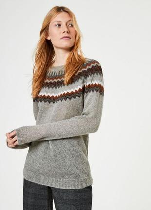 Мягкий и теплый свитер  с мохером hallhuber