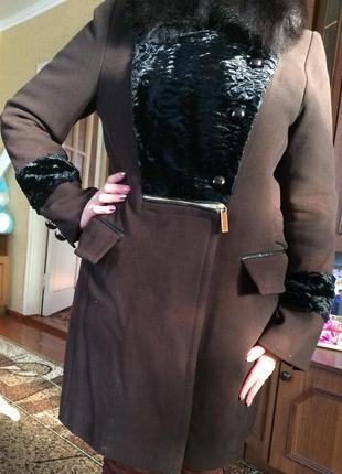 Тепле кашемірове пальто