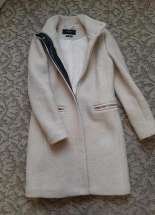 Идеальное шерстяное пальто