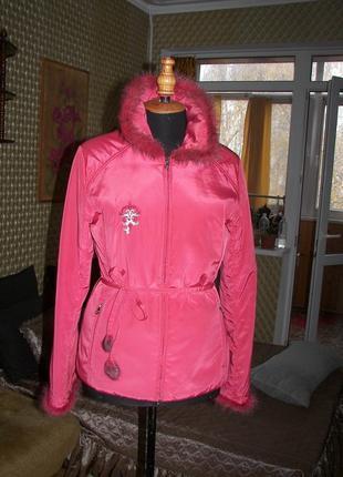 Курточка lawine красного цвета на синтепоне.