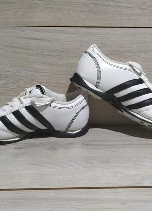Футзалки/кроссовки adidas размер 32