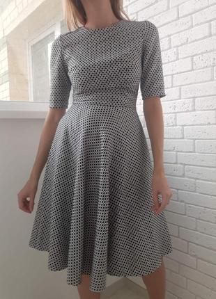 Шикарное платье от must have