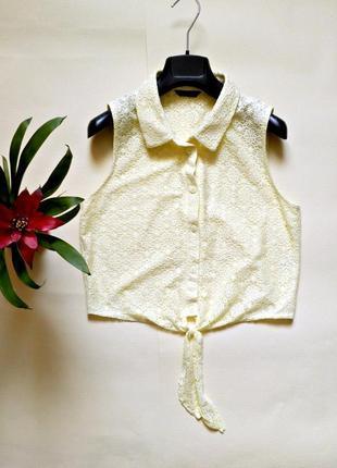 Кружевная блуза с завязками спереди