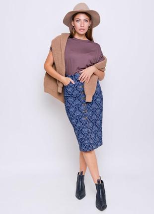 Джинсовая юбка-карандаш на пуговицах