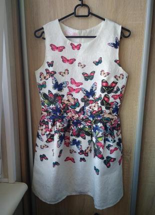 Красивое платье с бабочками белое вечернее нарядное шикарное