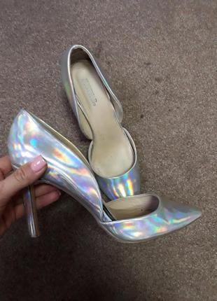 Стильные серебристые перламутровые туфли лодочки на шпильке хит свадебные