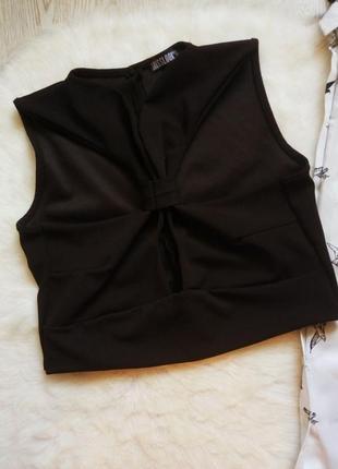 Черный секси кроп топ нарядная короткая майка с вырезами узлом спереди на груди воротником