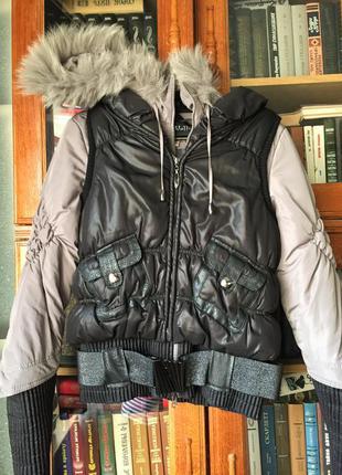 Зимняя куртка-трансформер с капюшоном.