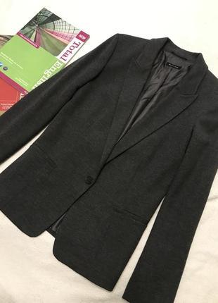Стильный фирменный пиджак massimo dutti