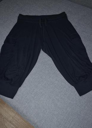 Черные бриджи , удлиненные шорты , трикотажные